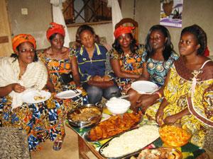 le festin des festins fut bien entendu notre repas de mariage en fin de soire du samedi 26 novembre 2011 on avait aussi fait cuire une chvre au complet - Traiteur Camerounais Mariage